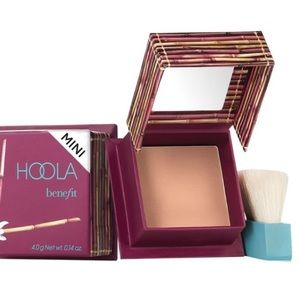 New Benefit Hoola Mini Bronzer!